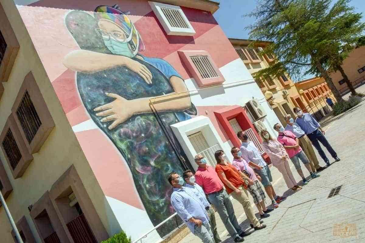La alcaldesa de Tomelloso visitó el último proyecto de AFAS en el Centro Reina Sofía