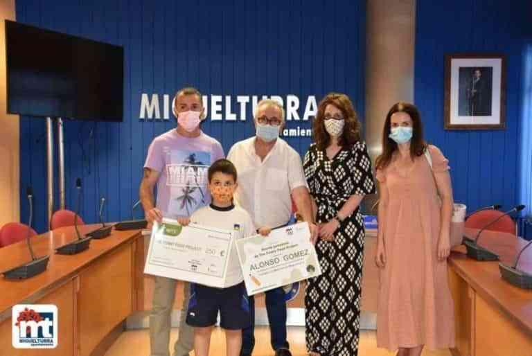 """El alumno Alonso Gómez gana el concurso """"The Funny Food Project"""" en Miguelturra"""