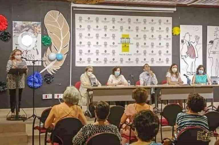Encuentro literario con Rafael Cabanillas del Club de Lectura de la Biblioteca de Tomelloso