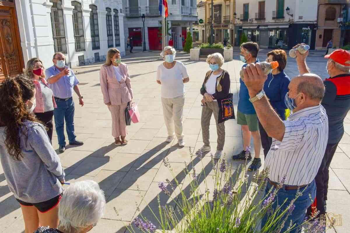 """""""Senderismo Urbano y Mantenimiento Físico al aire libre» para los mayores de Tomelloso"""
