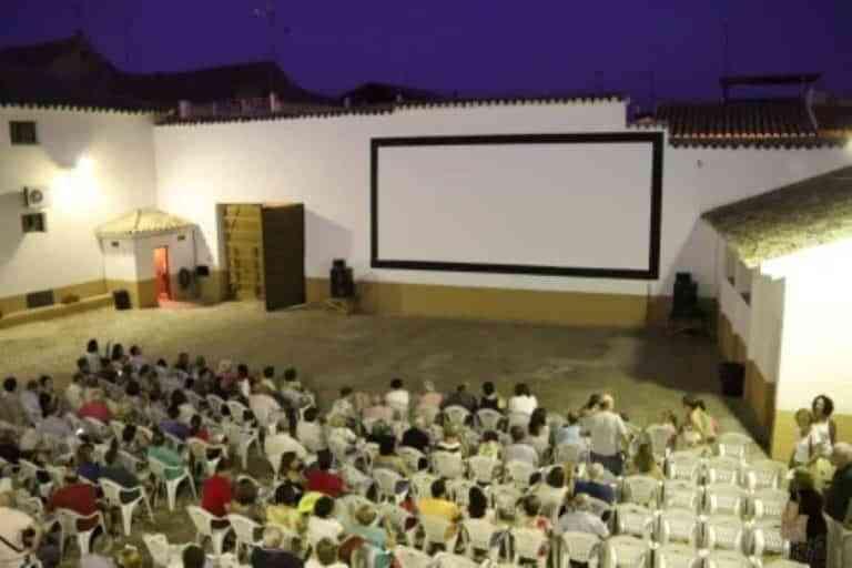 Cine de verano este fin de semana en el corral del centro cultural 'Ciega de Manzanares'