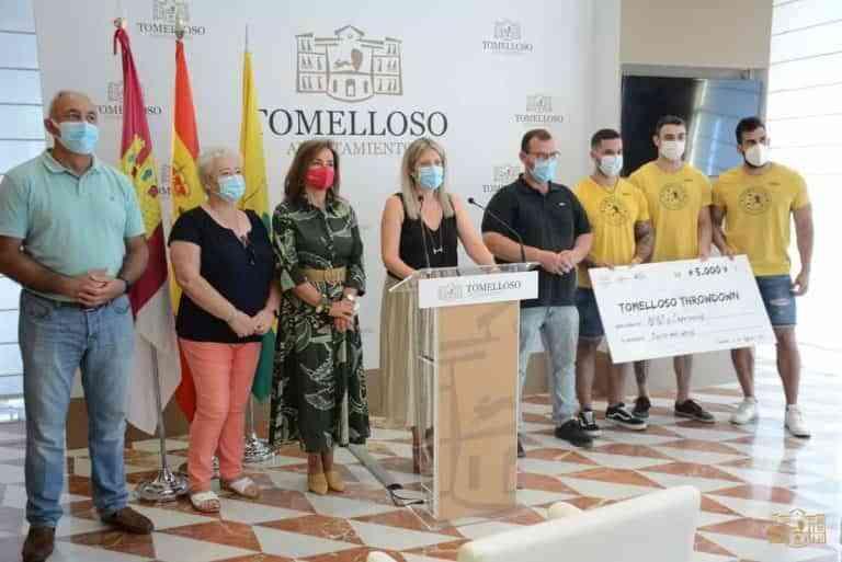 Supernenas y AFAS recibieron donación de 5.000 euros recaudados en el I Torneo Tomelloso Throwdown