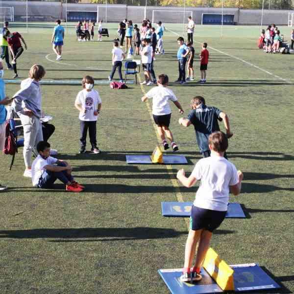 """Con el torneo """"Jugando al atletismo"""" reinició la actividad del deporte escolar en Puertollano"""